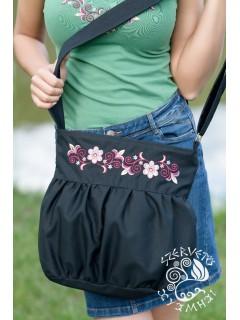 Szervető-vásárhelyi buggyos táska - fekete-színes
