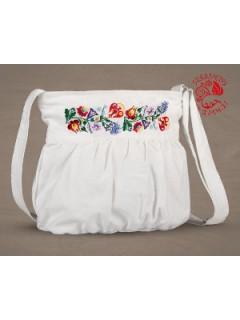 Szervető-kalocsai buggyos táska - fehér