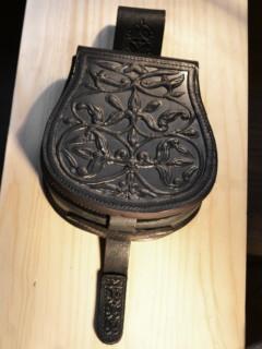 Rakamazi bőrbenyomatos varrott tarsoly - fekete