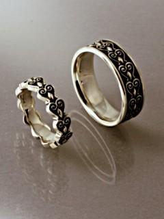 Domború istenfaleveles karikagyűrű