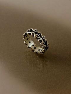 Nagy indás gyűrű