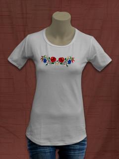 Női póló kalocsai hímzéssel - fehér 55a1382a82