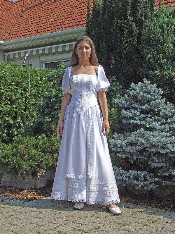 Hátul Fűzős Menyasszonyi Ruha 28c41f3f96
