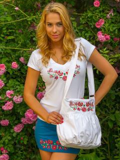 Szervető - Hímzett női póló matyó mintával - fehér, V nyakú