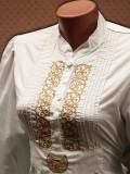 Hímzett női ing turáni ornamentikával díszítve - fehér